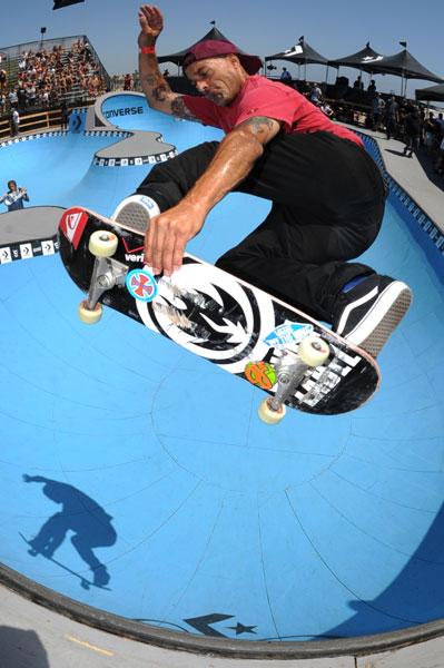 Coastal Carnage 2011: Omar Hassan - method tweaker | Skatepark of