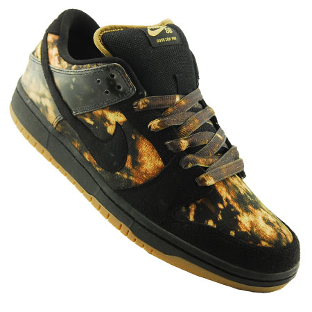 separation shoes 62d49 6bf2a Its been seven years since the release of the first Nike SB x Pushead  collaboration. For those of you who dont know, Pushead is an artist,  record label ...