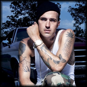 Michael Wayne Atha aka Yelawolf Photo