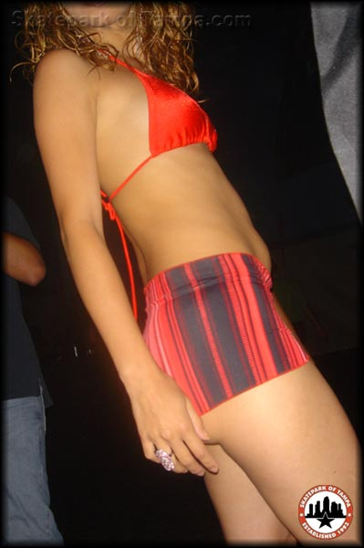 puerto rican girl in thongs showing pussy