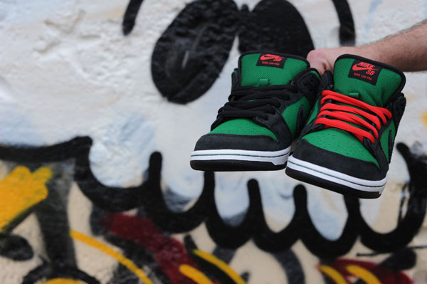 cheap for discount 64487 c0ddc Pine Green Dunk Low Nike SB February 2012 Article at ...