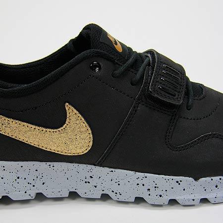 a1904c71 Nike Trainerendor L QS Shoes, Black/ Metallic Gold/ Wolf Grey Photos