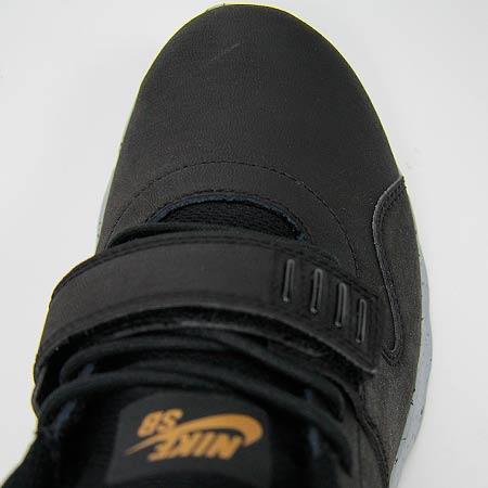 bb12172a Nike Trainerendor L QS Shoes, Black/ Metallic Gold/ Wolf Grey Photos. Close  up. Back. Sole. Toe