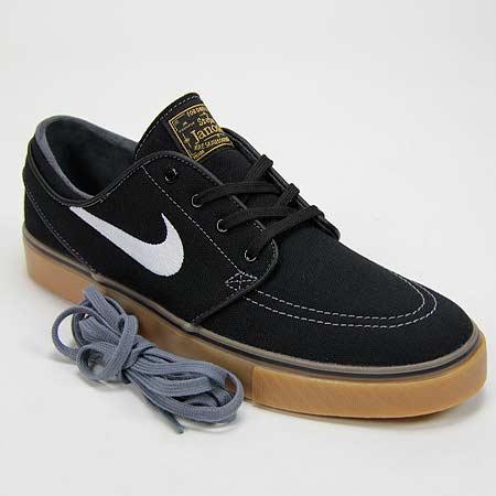 online retailer 11c3d ecd88 Nike Zoom Stefan Janoski Canvas Shoes, Black  White  Metallic Gold  Gum  Light Brown Photos