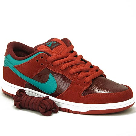 promo code ce451 ee8c3 Nike Dunk Low Pro SB NT Shoes, Brickhouse  Turbo Green  Team Red Photos