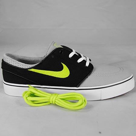 3abf9905a6b1 Nike Zoom Stefan Janoski Canvas Shoes