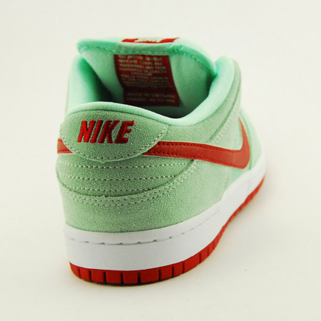 sale retailer 9707c 95ea7 Nike Dunk Low Pro SB NT Shoes Photos