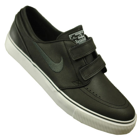 OUT OF STOCK Color: Black/ Black/ White. The Stefan Janoski SE boat style  shoe ...
