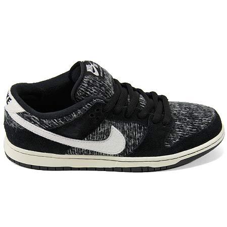 separation shoes e8ca6 0a244 Nike Dunk Low Warmth Shoes, Black/ Ivory/ Black/ Hyper Grape ...