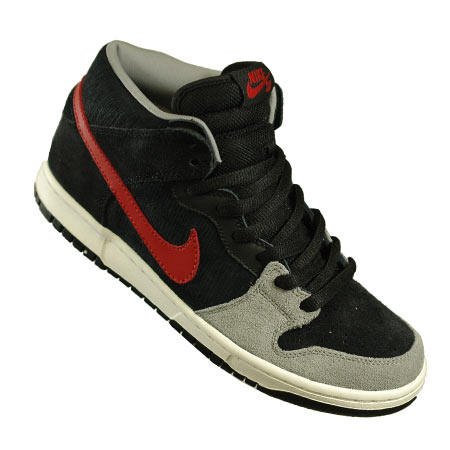 pretty nice 1fcfb 3bfc7 Nike Dunk Mid Pro SB Shoes